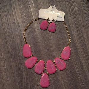 Jewelry - ‼️S A L E‼️ Chunky Pink Necklace and Earrings